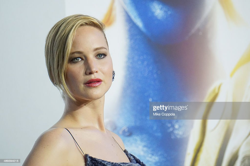 Actress <a gi-track='captionPersonalityLinkClicked' href=/galleries/search?phrase=Jennifer+Lawrence&family=editorial&specificpeople=1596040 ng-click='$event.stopPropagation()'>Jennifer Lawrence</a> attends the 'X-Men: Days Of Future Past' world premiere at Jacob Javits Center on May 10, 2014 in New York City.