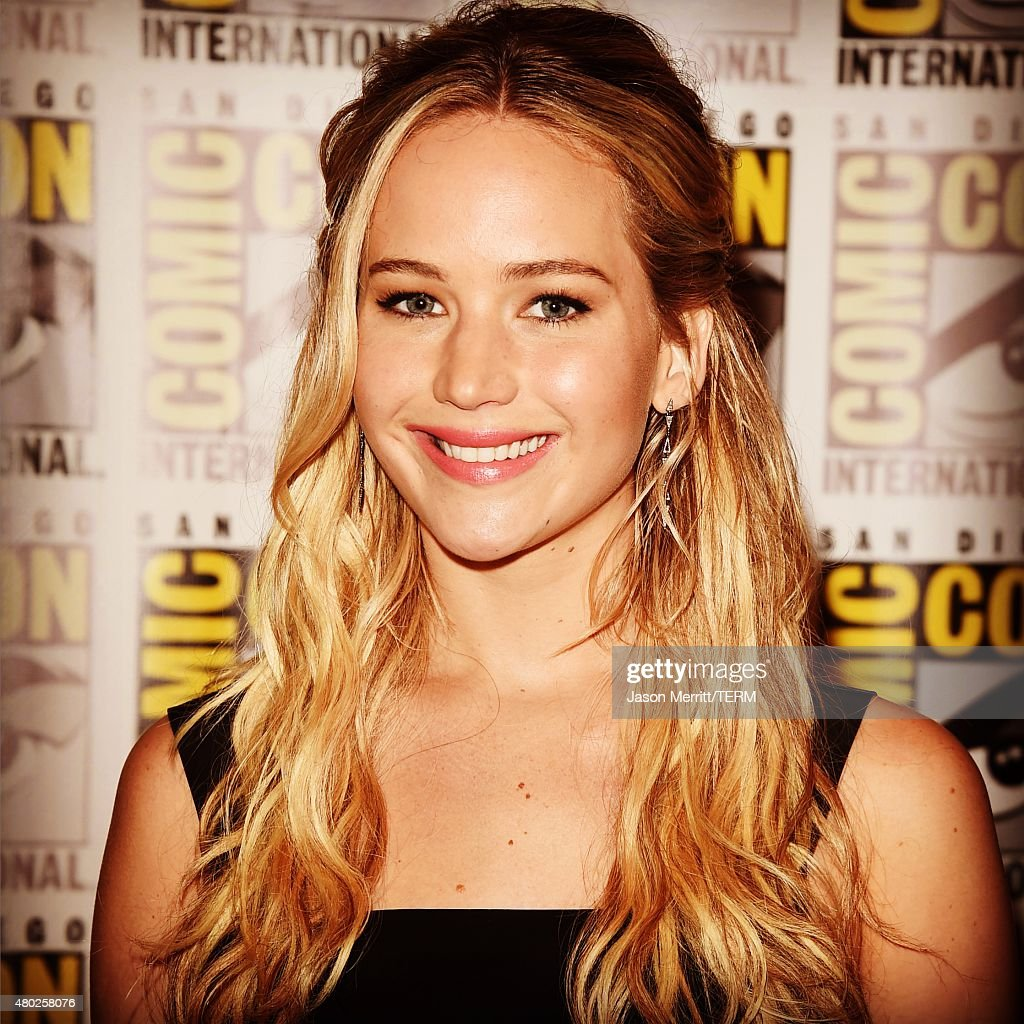 Actress <a gi-track='captionPersonalityLinkClicked' href=/galleries/search?phrase=Jennifer+Lawrence&family=editorial&specificpeople=1596040 ng-click='$event.stopPropagation()'>Jennifer Lawrence</a> of 'The Hunger Games: Mockingjay - Part 2' attends the Lionsgate Press Room during Comic-Con International: San Diego 2015 on July 10, 2015 in San Diego, California.