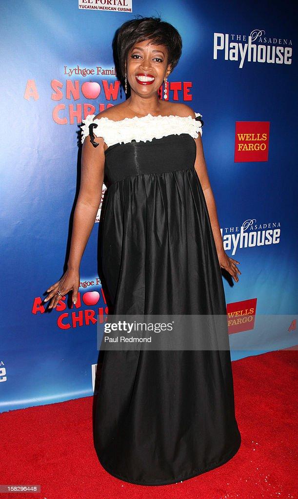 Actress Jennifer Leigh Warren arrives at the Pasadena Playhouse and Lythgoe Family Production's 'A Snow White Christmas' at Pasadena Playhouse on December 12, 2012 in Pasadena, California.