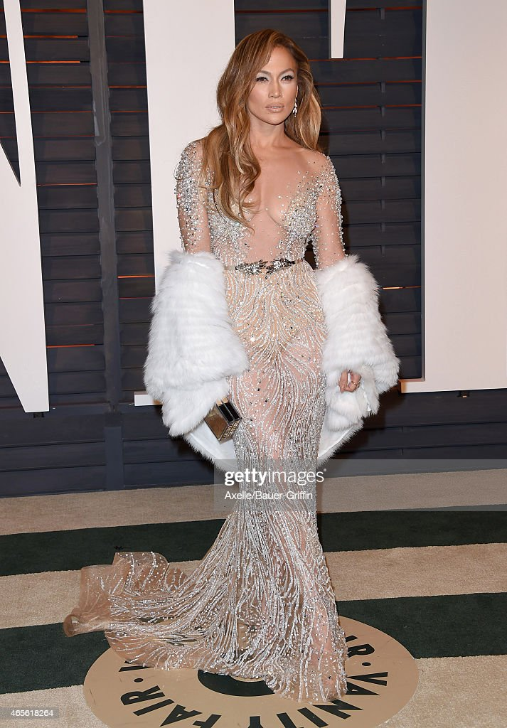 Actress Jennifer Lopez arrives at the 2015 Vanity Fair Oscar Party Hosted By Graydon Carter at Wallis Annenberg Center for the Performing Arts on February 22, 2015 in Beverly Hills, California.