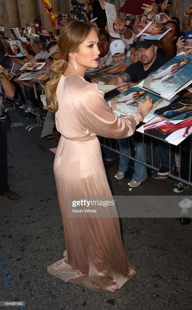 Actress <a gi-track='captionPersonalityLinkClicked' href=/galleries/search?phrase=Jennifer+Lopez&family=editorial&specificpeople=201784 ng-click='$event.stopPropagation()'>Jennifer Lopez</a> arrives at the premiere of Lionsgate's 'What To Expect When You're Expecting' held at Grauman's Chinese Theatre on May 14, 2012 in Hollywood, California.