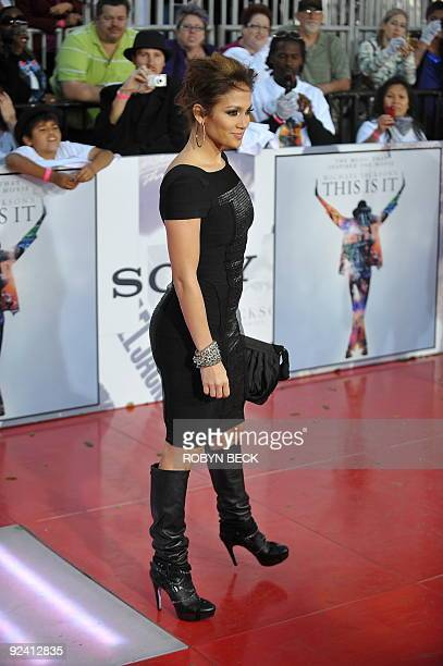Actress Jennifer Lopez arrives for the world premiere of the Michael Jackson�s �This is it� at the Noika Theatre at LA Live on October 27 2009 in Los...