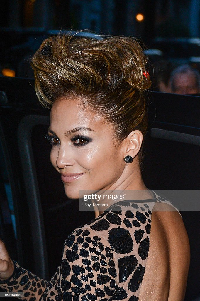 Actress <a gi-track='captionPersonalityLinkClicked' href=/galleries/search?phrase=Jennifer+Lopez&family=editorial&specificpeople=201784 ng-click='$event.stopPropagation()'>Jennifer Lopez</a> leaves her Upper East Side hotel on May 6, 2013 in New York City.