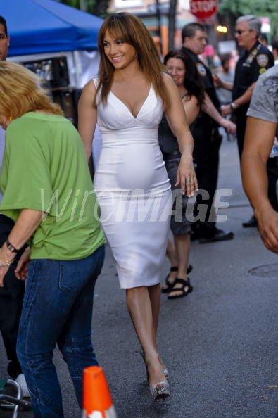 1ad50c4fa0107 NEW YORK - JULY 20: Actress Jennifer Lopez walks to