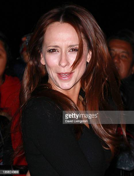 Actress Jennifer Love Hewitt attends Disney On Ice Children's Hospital LA and AEG's Season of Giving Create Holiday Magic on LA Kings Holiday Ice at...