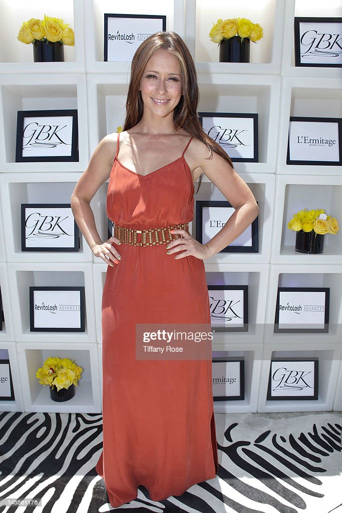 Actress <a gi-track='captionPersonalityLinkClicked' href=/galleries/search?phrase=Jennifer+Love+Hewitt&family=editorial&specificpeople=202883 ng-click='$event.stopPropagation()'>Jennifer Love Hewitt</a> attends GBK Gift Lounge In Honor of The MTV Movie Award Nominees And Presenters - Day 1 at L'Ermitage Beverly Hills Hotel on June 1, 2012 in Beverly Hills, California.