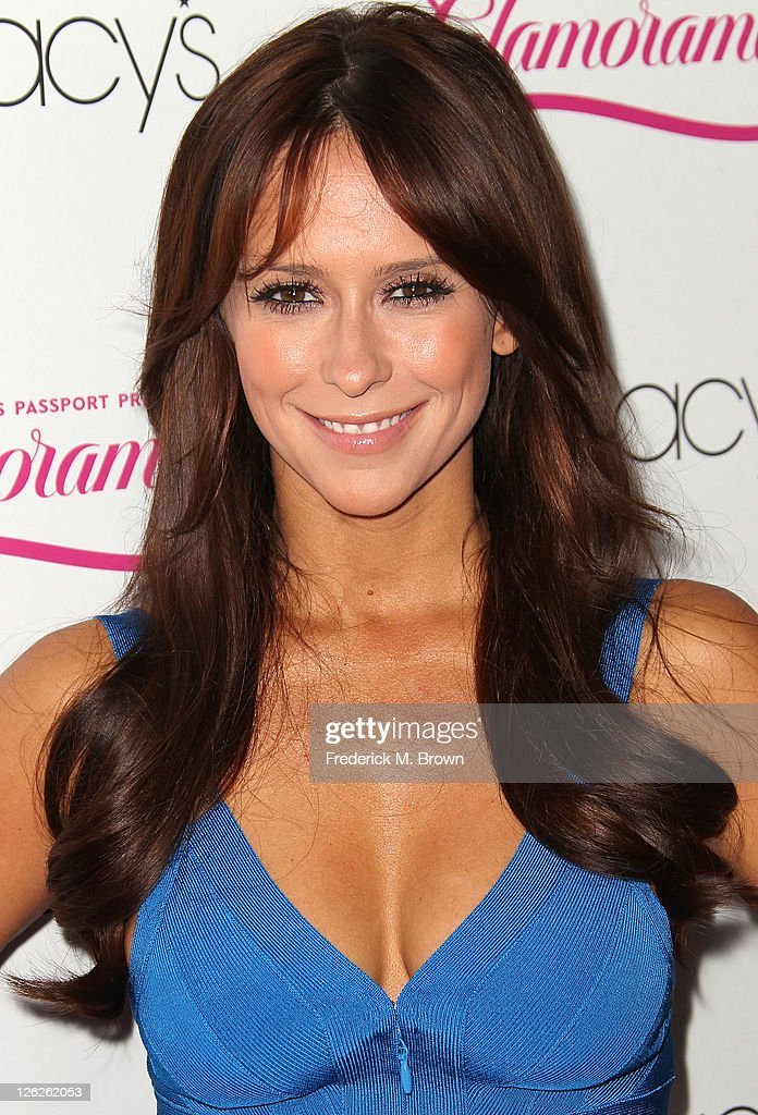 Actress <a gi-track='captionPersonalityLinkClicked' href=/galleries/search?phrase=Jennifer+Love+Hewitt&family=editorial&specificpeople=202883 ng-click='$event.stopPropagation()'>Jennifer Love Hewitt</a> attends the 29th Annual Macy's Passport Presents Glamorama 2011 at The Orpheum Theatre on September 23, 2011 in Los Angeles, California.