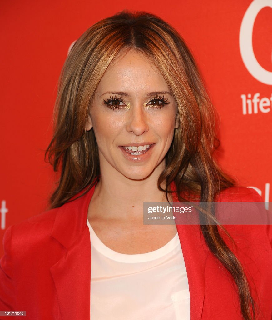 Actress <a gi-track='captionPersonalityLinkClicked' href=/galleries/search?phrase=Jennifer+Love+Hewitt&family=editorial&specificpeople=202883 ng-click='$event.stopPropagation()'>Jennifer Love Hewitt</a> attends the Valentine's Day event for the upcoming season of 'The Client List' at Mel's Diner on February 14, 2013 in West Hollywood, California.
