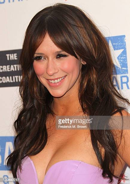 Actress Jennifer Love Hewitt attends the WWE and The Creative Coalition's 'be a Star' SummerSlam Kickoff Party at The Andaz Hotel on August 11 2011...