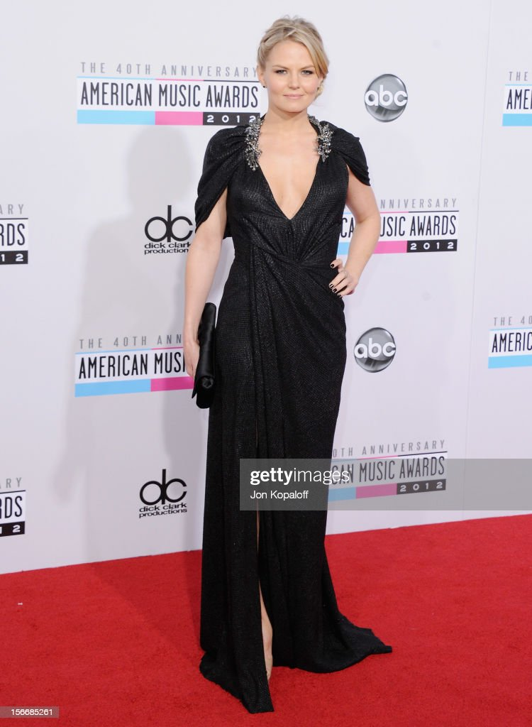 Actress <a gi-track='captionPersonalityLinkClicked' href=/galleries/search?phrase=Jennifer+Morrison&family=editorial&specificpeople=233495 ng-click='$event.stopPropagation()'>Jennifer Morrison</a> arrives at The 40th American Music Awards at Nokia Theatre L.A. Live on November 18, 2012 in Los Angeles, California.