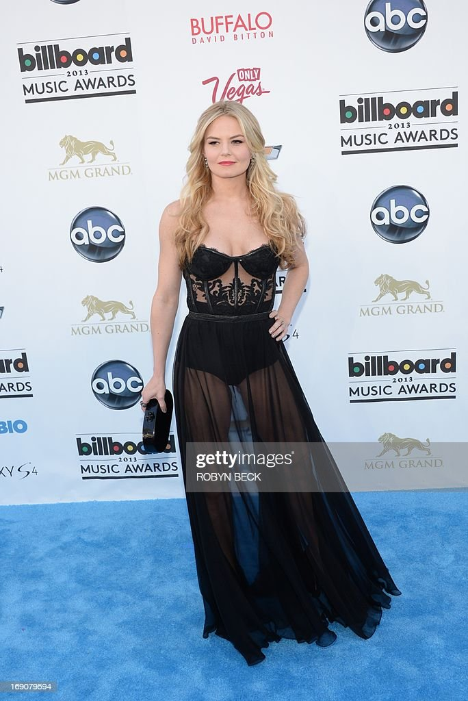 Actress Jennifer Morrison arrives on the red carpet at the 2013 Billboard Music Awards at the MGM Grand in Las Vegas, Nevada, May 19, 2013.