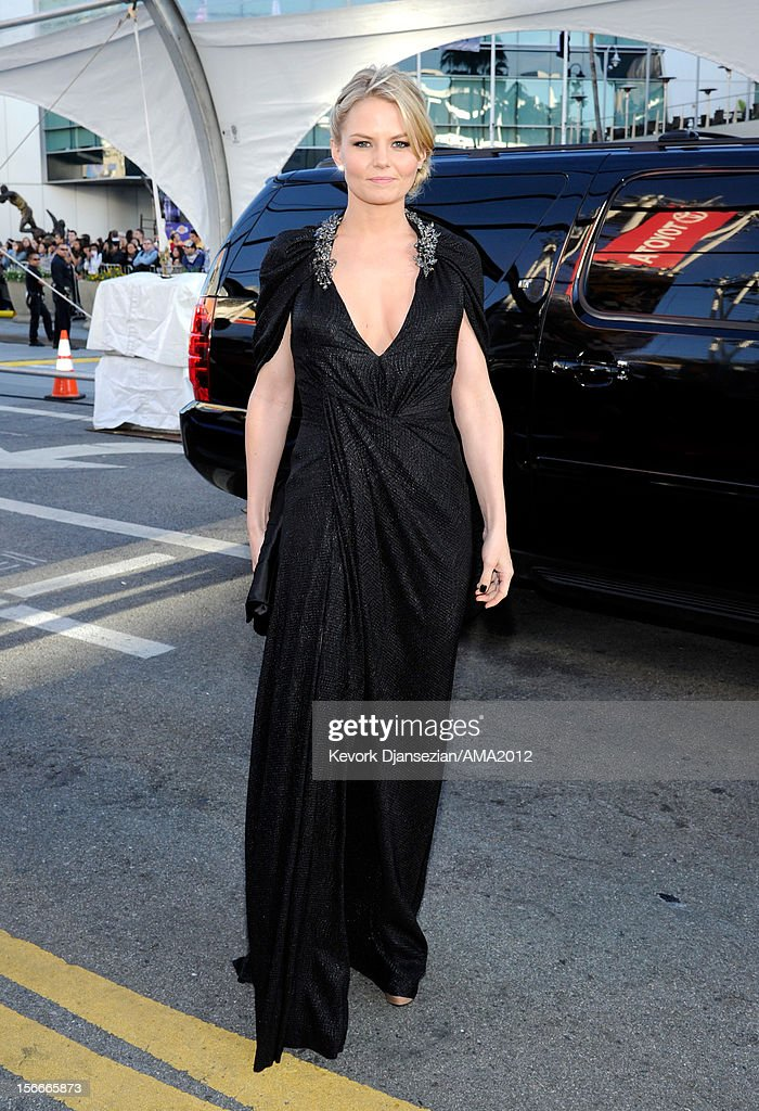 Actress Jennifer Morrison attends the 40th American Music Awards held at Nokia Theatre L.A. Live on November 18, 2012 in Los Angeles, California.