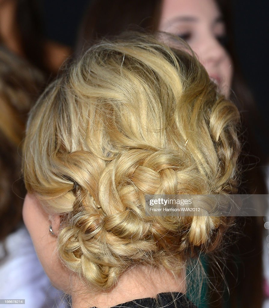 Actress Jennifer Morrison (hair detail) attends the 40th American Music Awards held at Nokia Theatre L.A. Live on November 18, 2012 in Los Angeles, California.