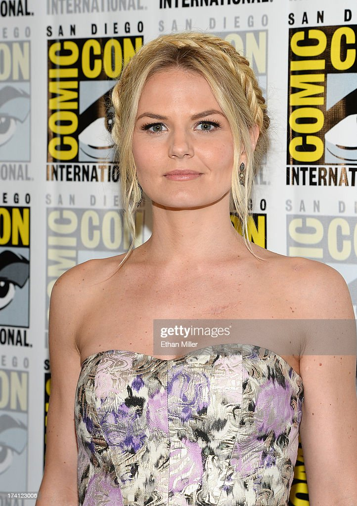 Actress <a gi-track='captionPersonalityLinkClicked' href=/galleries/search?phrase=Jennifer+Morrison&family=editorial&specificpeople=233495 ng-click='$event.stopPropagation()'>Jennifer Morrison</a> attends the 'Once Upon a Time' press line during Comic-Con International 2013 at the Hilton San Diego Bayfront Hotel on July 20, 2013 in San Diego, California.