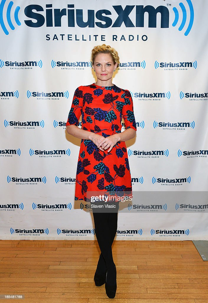 Actress <a gi-track='captionPersonalityLinkClicked' href=/galleries/search?phrase=Jennifer+Morrison&family=editorial&specificpeople=233495 ng-click='$event.stopPropagation()'>Jennifer Morrison</a> visits SiriusXM Studios on October 21, 2013 in New York City.