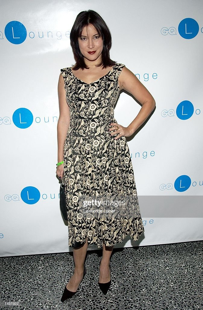 Actress Jennifer Tilly arrives at the launch of the book 'Who's Sorry Now' by Joe Pantoliano at the GQ Lounge September 28, 2002, in New York City.