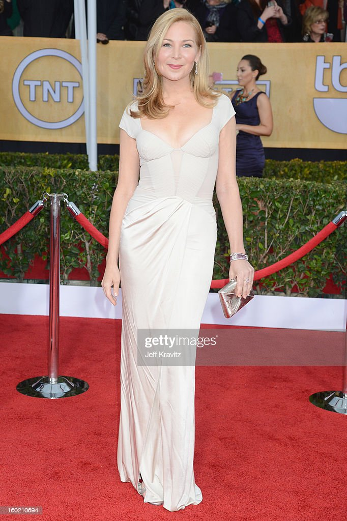 Actress Jennifer Westfeldt arrives at the 19th Annual Screen Actors Guild Awards held at The Shrine Auditorium on January 27, 2013 in Los Angeles, California.