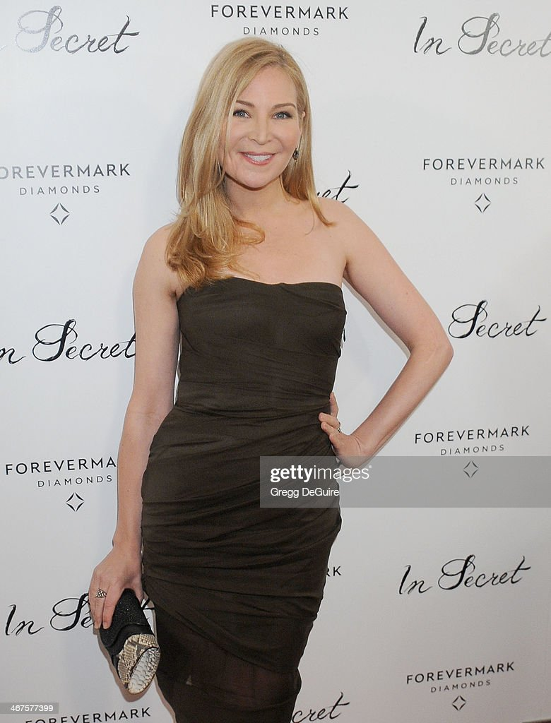 Actress Jennifer Westfeldt arrives at the Los Angeles premiere of 'In Secret' at ArcLight Hollywood on February 6, 2014 in Hollywood, California.