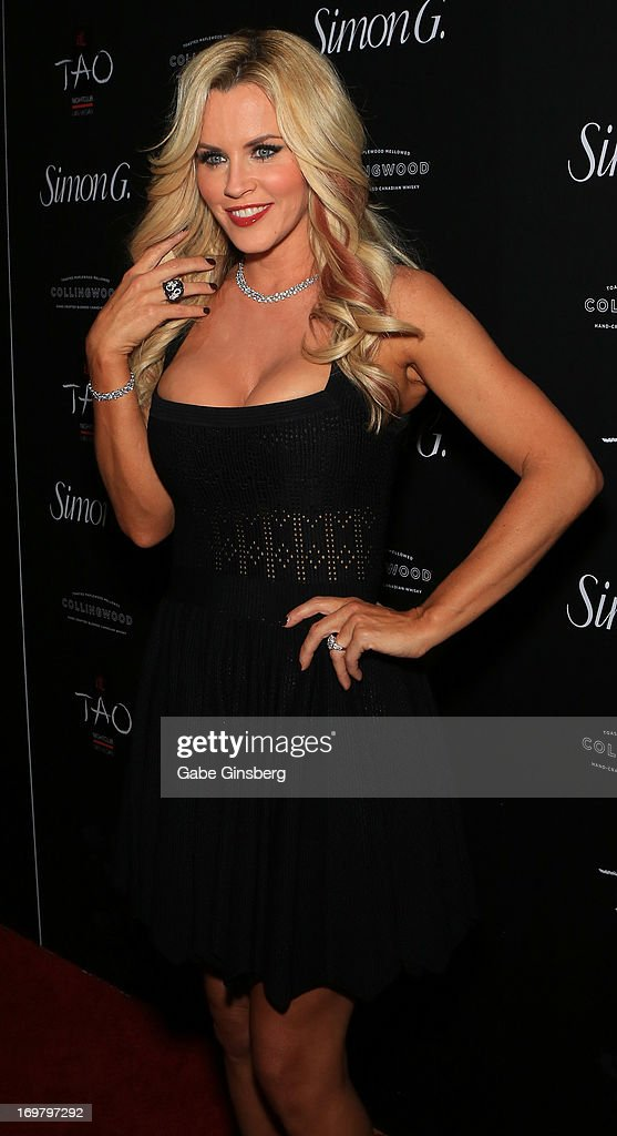 Actress <a gi-track='captionPersonalityLinkClicked' href=/galleries/search?phrase=Jenny+McCarthy&family=editorial&specificpeople=202900 ng-click='$event.stopPropagation()'>Jenny McCarthy</a> arrives at the annual Simon G. Soiree at the Tao Nightclub at The Venetian Las Vegas on June 1, 2013 in Las Vegas, Nevada.