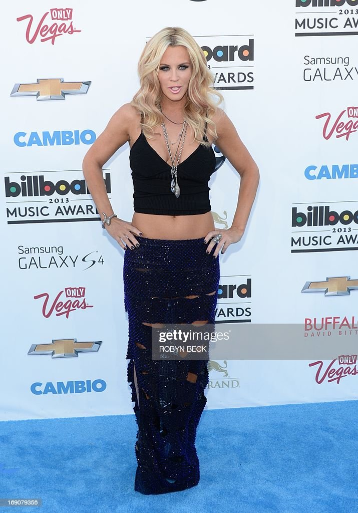 Actress Jenny McCarthy arrives on the red carpet at the 2013 Billboard Music Awards at the MGM Grand in Las Vegas, Nevada, May 19, 2013. AFP PHOTO / ROBYN BECK