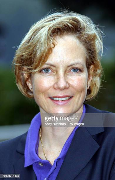 Actress Jenny Seagrove at a photocall to launch the new Logo for charity Canine Partners for Independence at the London Eye central London 11/11/03...