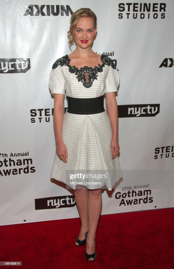 Actress <a gi-track='captionPersonalityLinkClicked' href=/galleries/search?phrase=Jess+Weixler&family=editorial&specificpeople=4117574 ng-click='$event.stopPropagation()'>Jess Weixler</a> attends the 17th Annual IFP Gotham Awards at Steiner Studios on November 27, 2007 in Brooklyn, NY.
