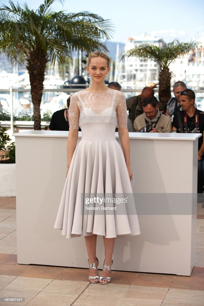 Actress <a gi-track='captionPersonalityLinkClicked' href=/galleries/search?phrase=Jess+Weixler&family=editorial&specificpeople=4117574 ng-click='$event.stopPropagation()'>Jess Weixler</a> attends 'The Disappearance of Eleanor Rigby' photocall at the 67th Annual Cannes Film Festival on May 18, 2014 in Cannes, France.