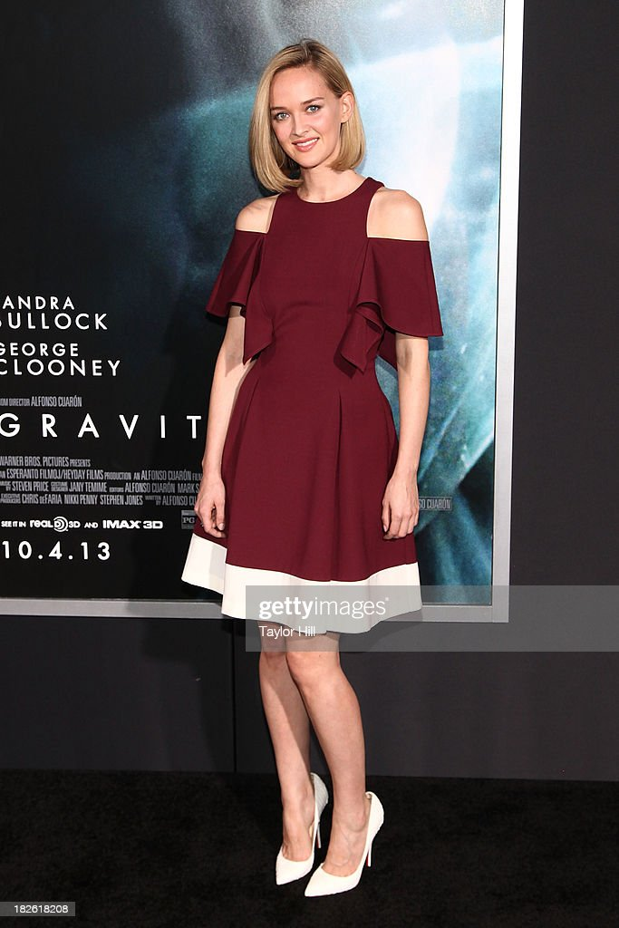 Actress <a gi-track='captionPersonalityLinkClicked' href=/galleries/search?phrase=Jess+Weixler&family=editorial&specificpeople=4117574 ng-click='$event.stopPropagation()'>Jess Weixler</a> attends the 'Gravity' premiere at AMC Lincoln Square Theater on October 1, 2013 in New York City.