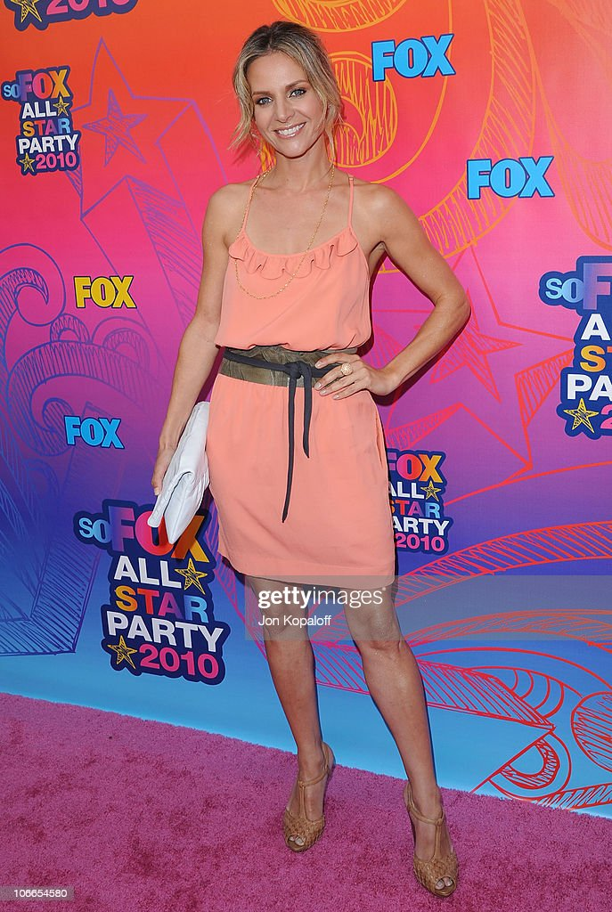 Actress <a gi-track='captionPersonalityLinkClicked' href=/galleries/search?phrase=Jessalyn+Gilsig&family=editorial&specificpeople=793163 ng-click='$event.stopPropagation()'>Jessalyn Gilsig</a> arrives at the Fox All-Star Party at Pacific Park at the Santa Monica Pier on August 2, 2010 in Santa Monica, California.