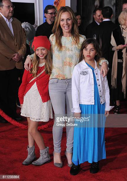 Actress Jessalyn Gilsig arrives at the premiere of Walt Disney Animation Studios' 'Zootopia' at the El Capitan Theatre on February 17 2016 in...