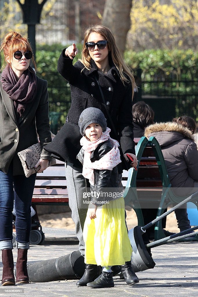 Actress <a gi-track='captionPersonalityLinkClicked' href=/galleries/search?phrase=Jessica+Alba&family=editorial&specificpeople=201811 ng-click='$event.stopPropagation()'>Jessica Alba</a> (R) and her daughter <a gi-track='captionPersonalityLinkClicked' href=/galleries/search?phrase=Honor+Warren&family=editorial&specificpeople=5597892 ng-click='$event.stopPropagation()'>Honor Warren</a> are sighted in the 'Luxembourg' gardens on March 4, 2013 in Paris, France.