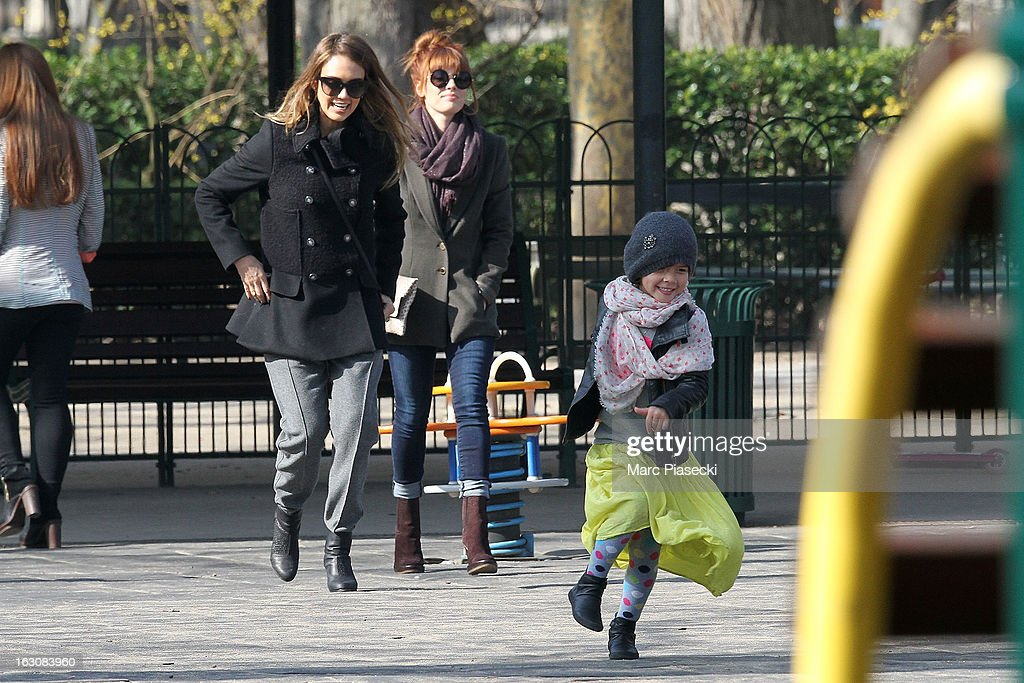 Actress <a gi-track='captionPersonalityLinkClicked' href=/galleries/search?phrase=Jessica+Alba&family=editorial&specificpeople=201811 ng-click='$event.stopPropagation()'>Jessica Alba</a> (L) and her daughter <a gi-track='captionPersonalityLinkClicked' href=/galleries/search?phrase=Honor+Warren&family=editorial&specificpeople=5597892 ng-click='$event.stopPropagation()'>Honor Warren</a> are sighted in the 'Luxembourg' gardens on March 4, 2013 in Paris, France.