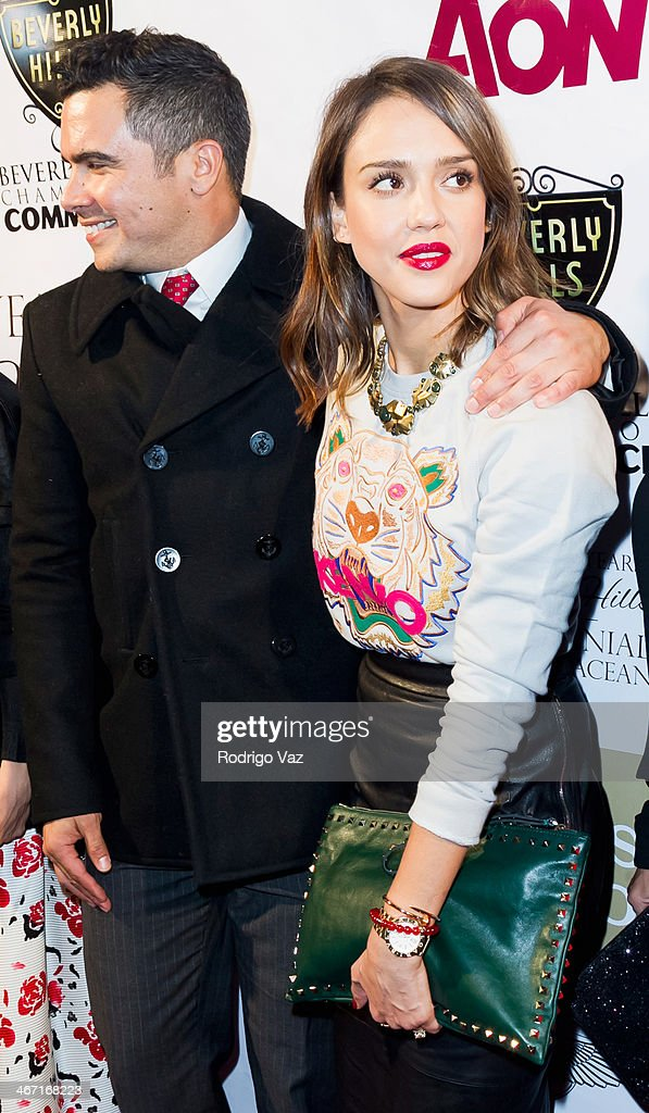 Actress Jessica Alba (R) and husband Cash Warren attend the Beverly Hills Chamber of Commerce hosting