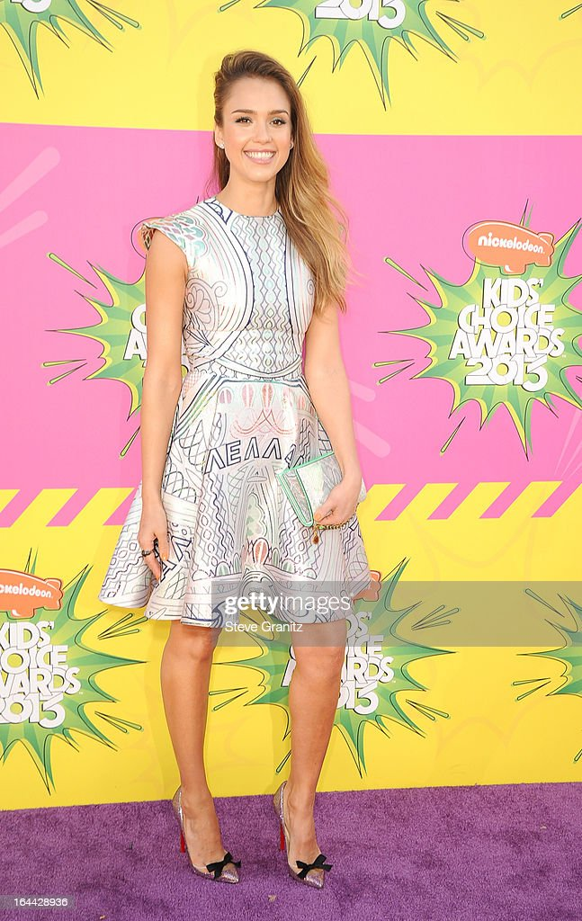 Actress <a gi-track='captionPersonalityLinkClicked' href=/galleries/search?phrase=Jessica+Alba&family=editorial&specificpeople=201811 ng-click='$event.stopPropagation()'>Jessica Alba</a> arrives at Nickelodeon's 26th Annual Kids' Choice Awards at USC Galen Center on March 23, 2013 in Los Angeles, California.