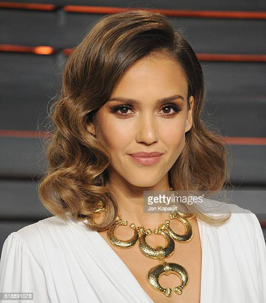 Actress Jessica Alba arrives at the 2016 Vanity Fair Oscar Party Hosted By Graydon Carter at Wallis Annenberg Center for the Performing Arts on...