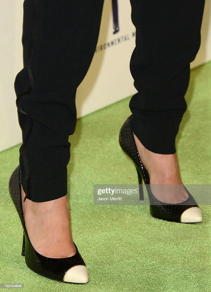 Actress Jessica Alba arrives at the 22nd Annual Environmental Media Awards on Saturday Sept. 29, 2012, at Warner Bros. Studios in Burbank, Calif.