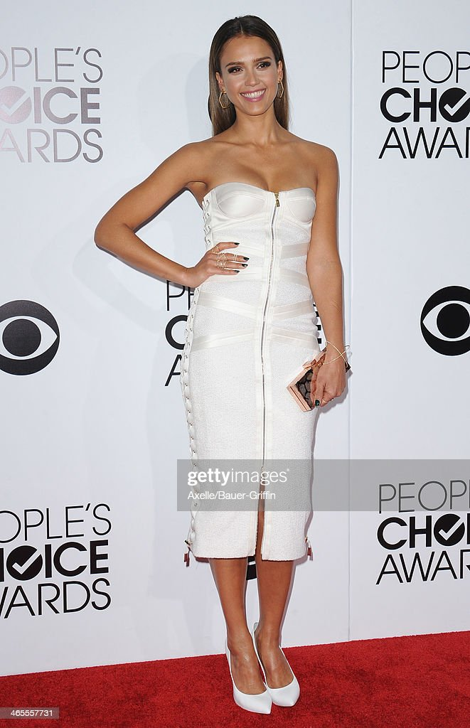 Actress Jessica Alba arrives at The 40th Annual People's Choice Awards at Nokia Theatre L.A. Live on January 8, 2014 in Los Angeles, California.