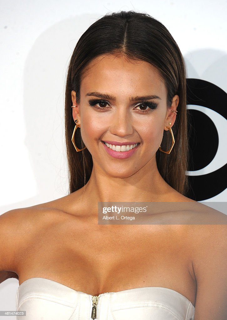 Actress <a gi-track='captionPersonalityLinkClicked' href=/galleries/search?phrase=Jessica+Alba&family=editorial&specificpeople=201811 ng-click='$event.stopPropagation()'>Jessica Alba</a> arrives for The 40th Annual People's Choice Awards - Arrivals held at Nokia Theatre L.A. Live on January 8, 2014 in Los Angeles, California.