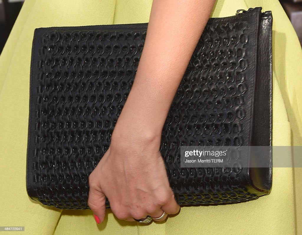 Actress Jessica Alba (fashion detail) attends the 2014 MTV Movie Awards at Nokia Theatre L.A. Live on April 13, 2014 in Los Angeles, California.