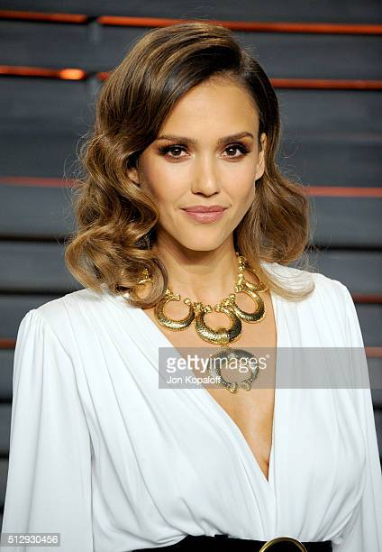 Actress Jessica Alba attends the 2016 Vanity Fair Oscar Party hosted By Graydon Carter at Wallis Annenberg Center for the Performing Arts on February...