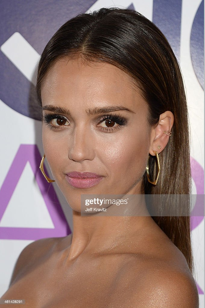 Actress <a gi-track='captionPersonalityLinkClicked' href=/galleries/search?phrase=Jessica+Alba&family=editorial&specificpeople=201811 ng-click='$event.stopPropagation()'>Jessica Alba</a> attends The 40th Annual People's Choice Awards at Nokia Theatre L.A. Live on January 8, 2014 in Los Angeles, California.