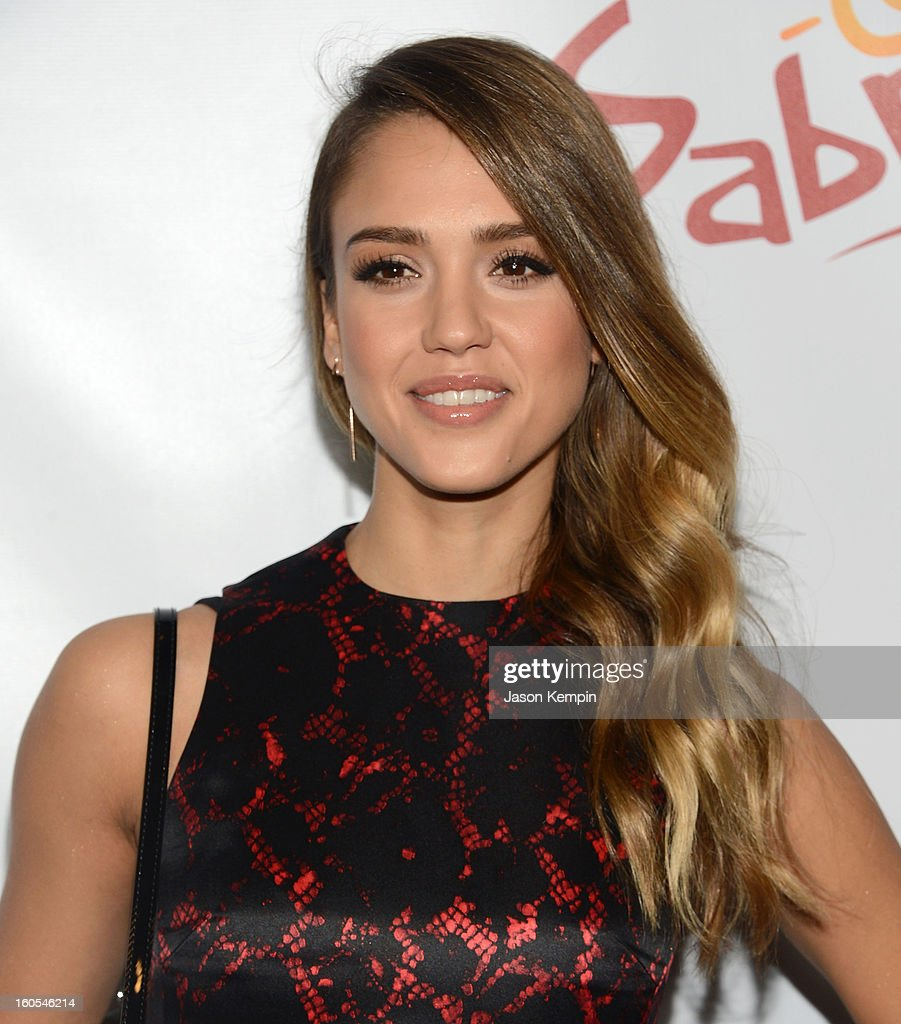 Actress <a gi-track='captionPersonalityLinkClicked' href=/galleries/search?phrase=Jessica+Alba&family=editorial&specificpeople=201811 ng-click='$event.stopPropagation()'>Jessica Alba</a> attends the premiere of The Weinstein Company's 'Escape From Planet Earth' at Mann Chinese 6 on February 2, 2013 in Los Angeles, California.