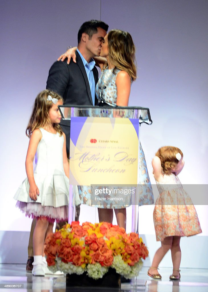 Actress Jessica Alba, Cash Warren, Honor Warren, and Haven Warren at The Helping Hand of Los Angeles Mother's Day Luncheon at The Beverly Hilton Hotel on May 9, 2014 in Beverly Hills, California.