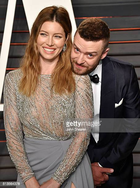 Actress Jessica Biel and recording artist Justin Timberlake arrive at the 2016 Vanity Fair Oscar Party Hosted By Graydon Carter at Wallis Annenberg...