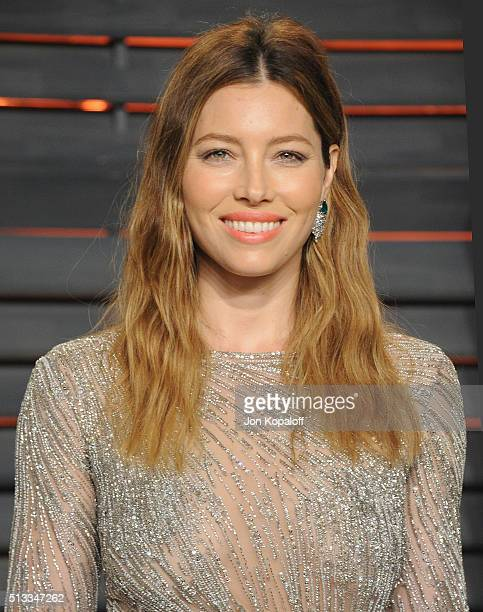 Actress Jessica Biel arrives at the 2016 Vanity Fair Oscar Party Hosted By Graydon Carter at Wallis Annenberg Center for the Performing Arts on...