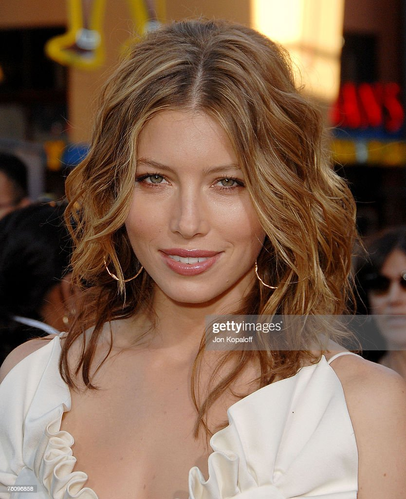 Sensational Actress Jessica Biel Arrives At The I Now Pronounce You Chuck And Picture Id76096858 Short Hairstyles For Black Women Fulllsitofus