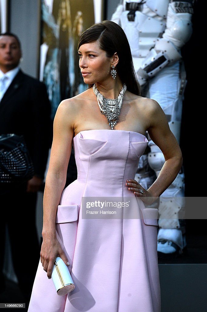 Actress Jessica Biel arrives at the premiere of Columbia Pictures' 'Total Recall' held at Grauman's Chinese Theatre on August 1, 2012 in Hollywood, California