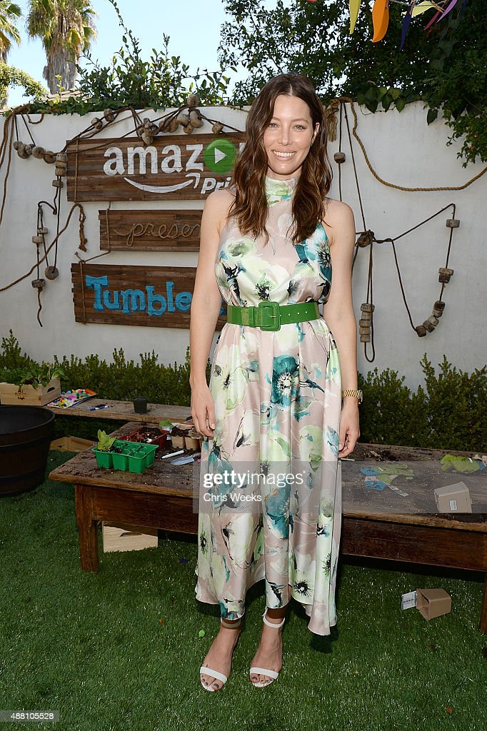 Actress <a gi-track='captionPersonalityLinkClicked' href=/galleries/search?phrase=Jessica+Biel&family=editorial&specificpeople=203011 ng-click='$event.stopPropagation()'>Jessica Biel</a> attends Amazon Video's Tumble Leaf Family Fun Day hosted by Au Fudge on September 13, 2015 in Los Angeles, California.