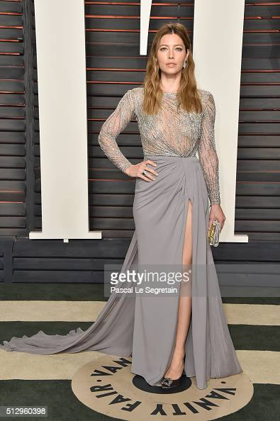Actress Jessica Biel attends the 2016 Vanity Fair Oscar Party Hosted By Graydon Carter at the Wallis Annenberg Center for the Performing Arts on...