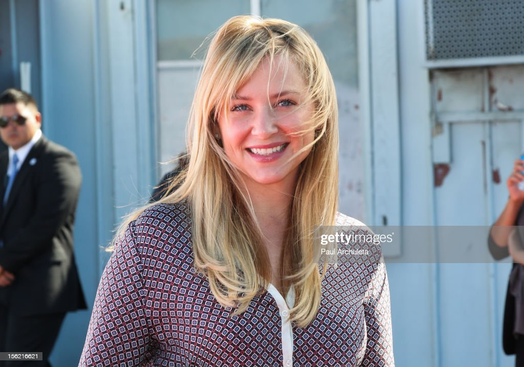 Actress Jessica Capshaw attends the 14th anniversary of P.S. Arts Express Yourself gala at Barker Hangar on November 11, 2012 in Santa Monica, California.